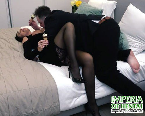 Mature prostitute Angela lets anal